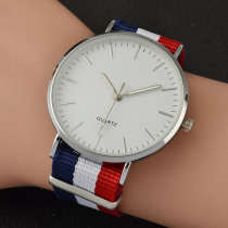 2019 New Casual and Fashion Quartz Watch with Multicolor Nylon Cloth Watchband Wristwatch Simple Designer Women Clock Orologio