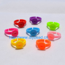 30 Pcs 18mm Mix Color Adjustable Flat Rings Plastic Pad Bases Blanks Glue On cabochon setting rings For Children Jewelry Making